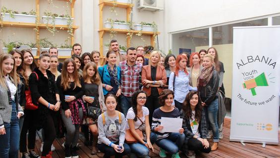 Rrjeti shqiptar i të rinjve bashkëmoshatarë